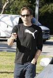David em um almoço com um amigo no Avotre Sante em Brentwood - CA Th_42467_David_Duchovny_out_and_about_in_LA_CU_ISA_09_122_1109lo