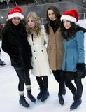 http://img147.imagevenue.com/loc485/th_75844_Lucy_Hale_ABC_Familys_25_Days_Of_Christmas_017_122_485lo.jpg