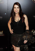 Felicia Day - The Fallout New Vega, 10/20/10, HQ x6