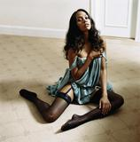 Zoe Saldana naked but goodies covered by shadows Foto 96 (Зои Салдана Naked But Goodies охватываются теней Фото 96)