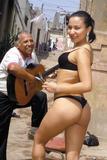 Gigi, porrista peruana muy malcriada